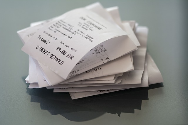 経費に関わった領収書やレシート、未精算のものも保管しておこう!